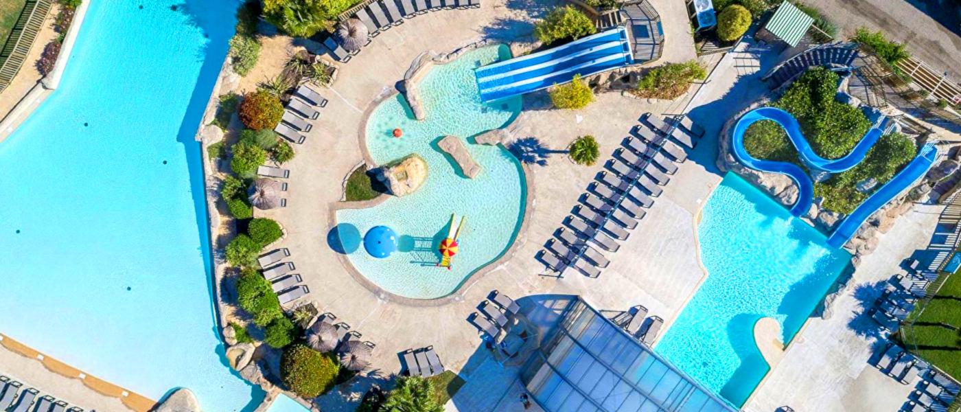 Les Alicourts Pools Overhead