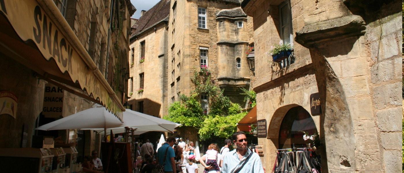 Dordogne Sarlat Street