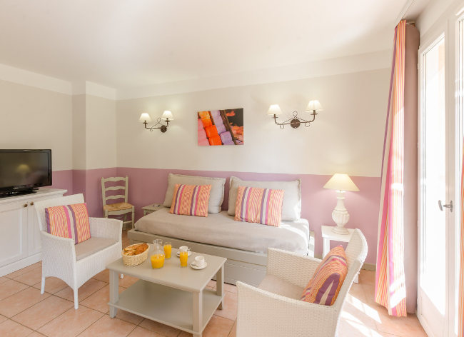 Mallemort, Pont Royal - 2 Bed Superior House Living