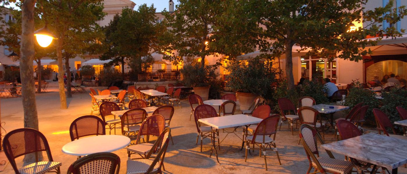 Provence Pont Royal Tables