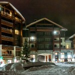 Flaine Terrasses Helios Plaza Night