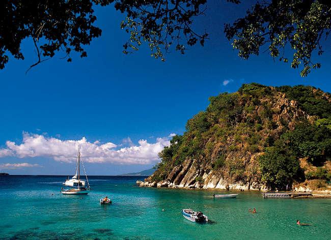 Guadeloupe - La baie du Pain de Sucre aux Saintes