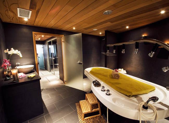 Holiday Marina Luxury Spa