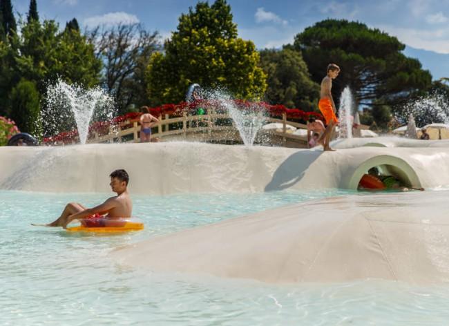 Norcenni - Upper pools spray area