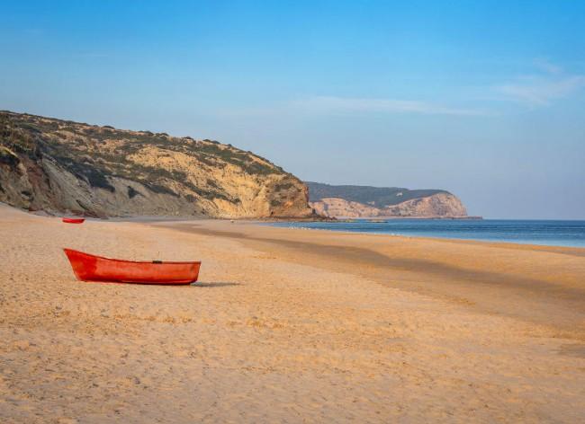 Salema Beach Village - Salema's own glorious miles of golden sands