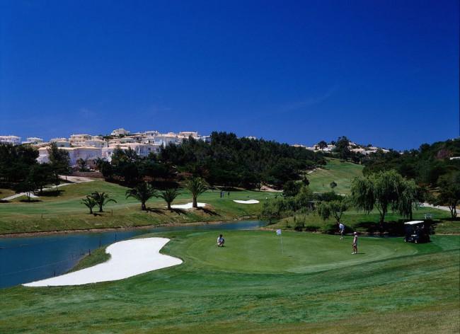 Salema Beach Village - Golf on hand at nearby Santo Antonio