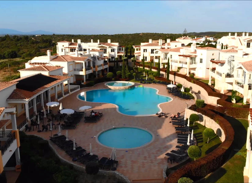 Salema Beach Village - Attractive Algarve village environment