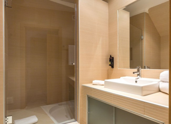 Firefly Holidays Salema Beach Village Shower 725h