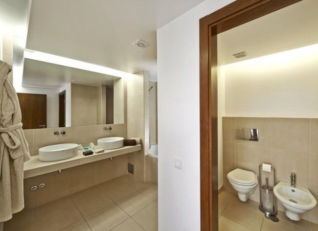 Firefly Holidays Vidamar Villas Salgados Villa Bathroom 600h