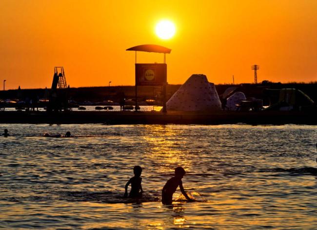 Firefly Holidays Zaton Resort Beach Sunset 600h