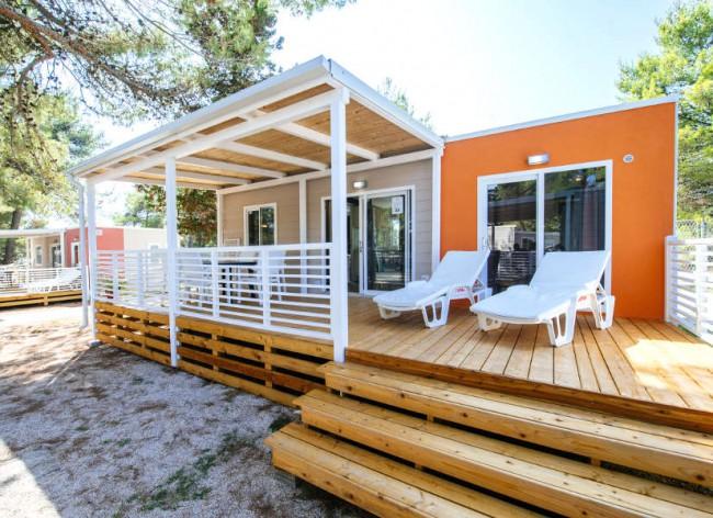 Zaton Resort: Premium homes: TV, WiFi, beds made & towels