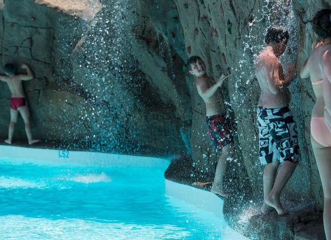 Origo Mare - Water Climbing Wall