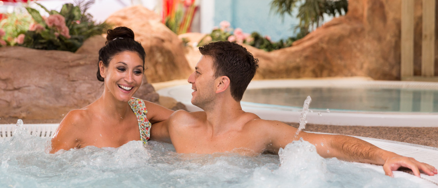 Holiday Green Jacuzzi