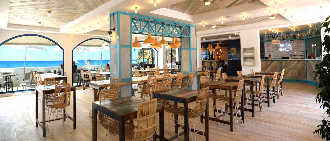 Firefly Holidays Tamarit Beach Brisa Snack Interior