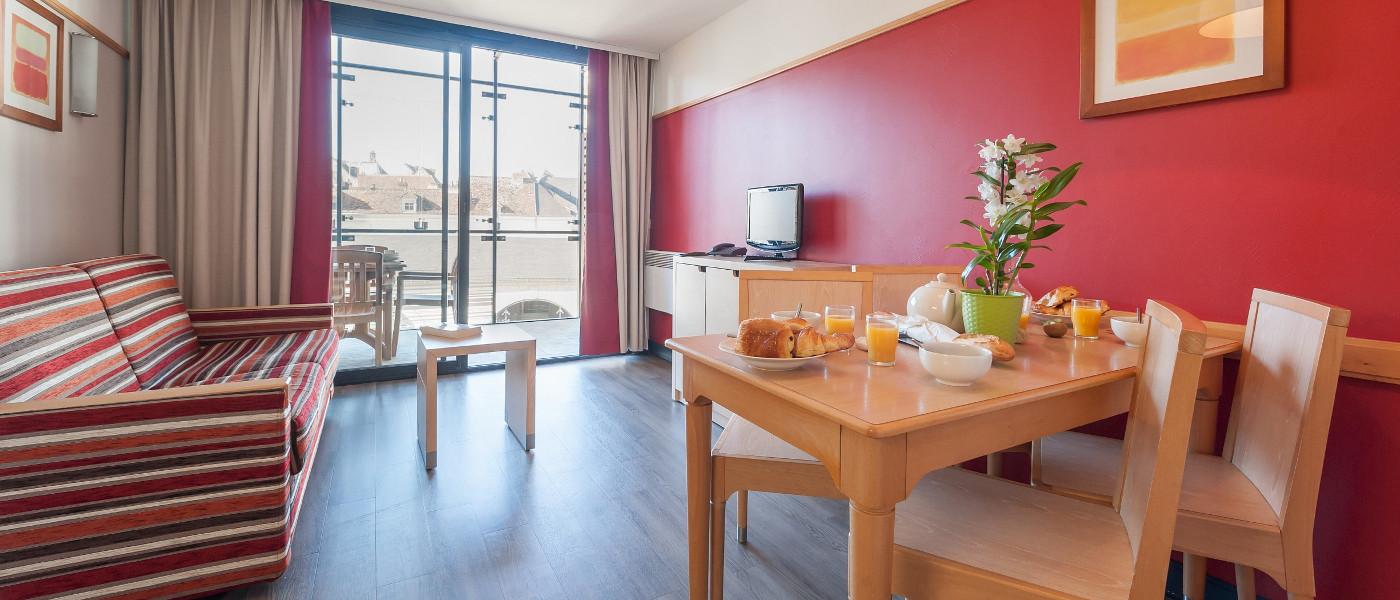 Loches Apartment