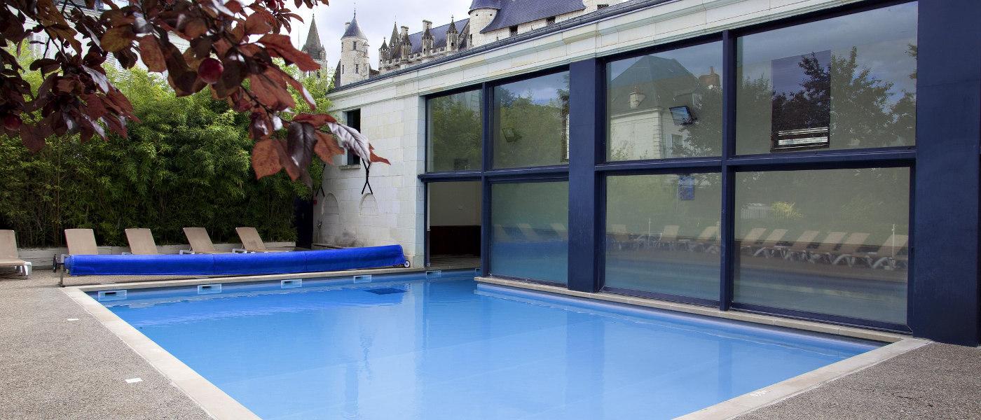 Loches Oudoor Pool