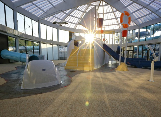 Firefly Holidays Beg Meil L'Atlantique Indoor Waterslides 600h