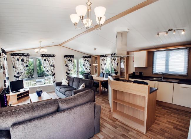 Holiday Marina Lodge Living