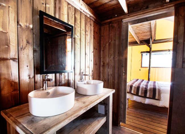 Holiday Marina Safari Bathroom
