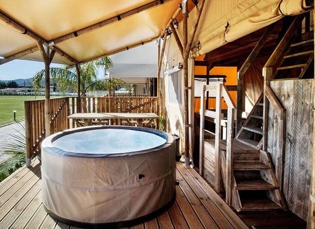 Holiday Marina, Safari Tent Lodge Jacuzzi