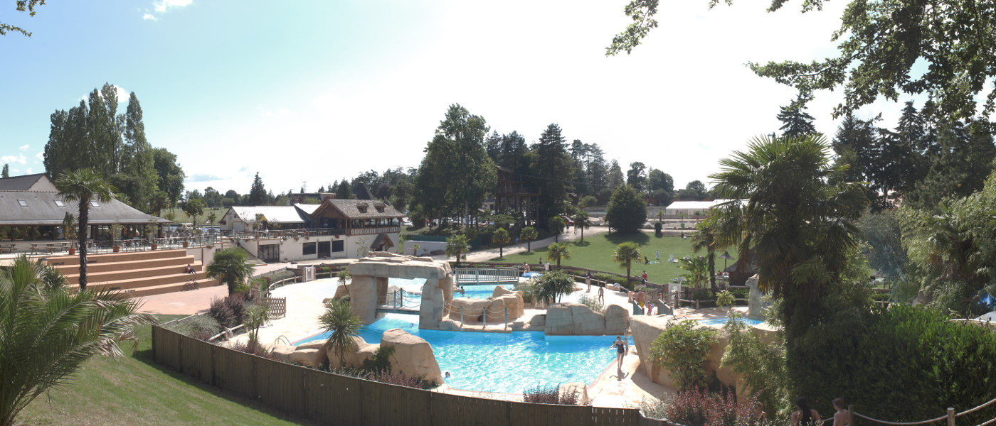 Domaine des Ormes, Main Pool Hero
