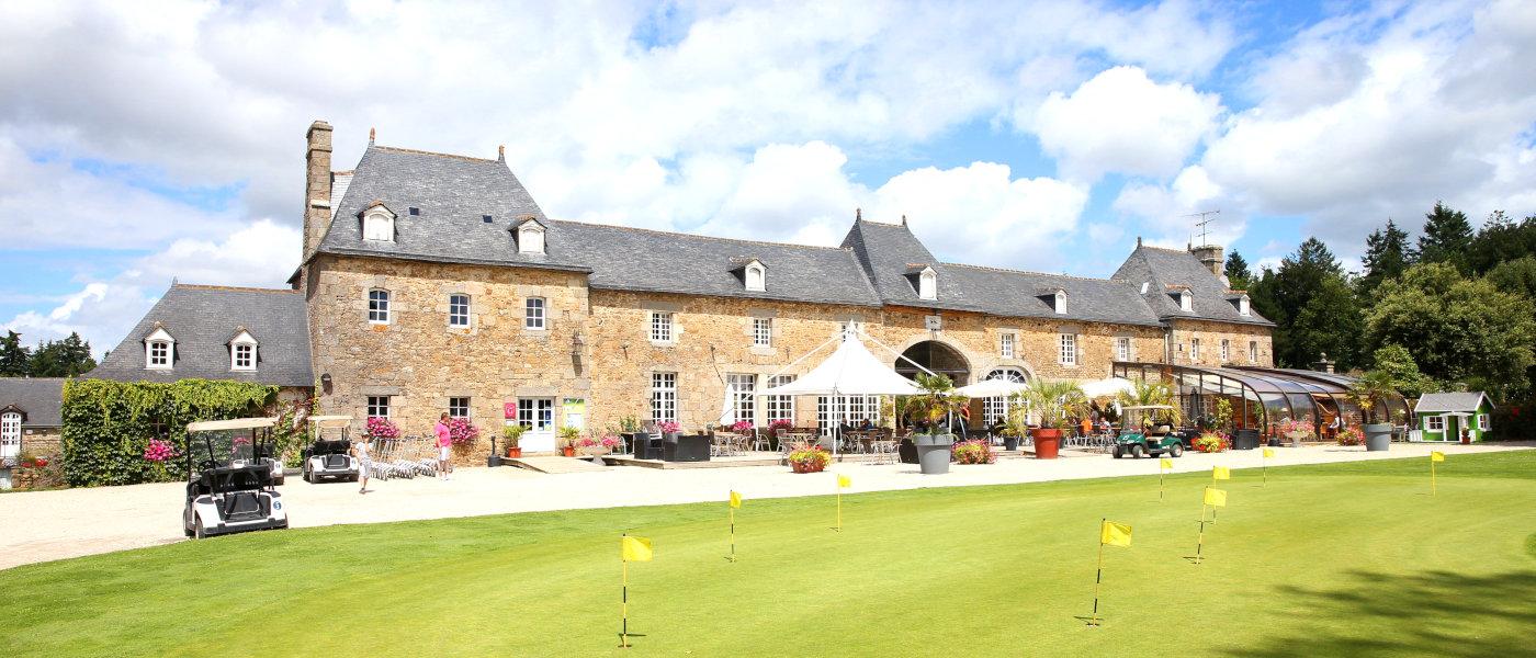 Domaine Des Ormes Clubhouse