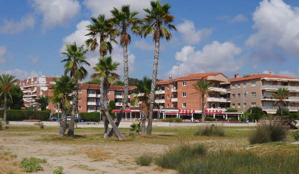 Residence Comarugga, from the beach