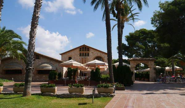 Vilanova Park Farmhouse Restaurant
