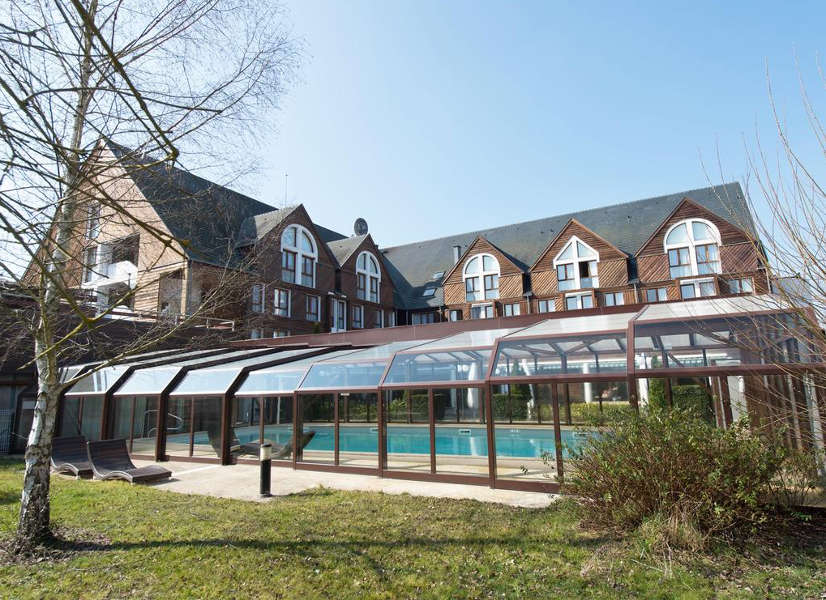 Domaine Foret d'Orient Outdoor Pool