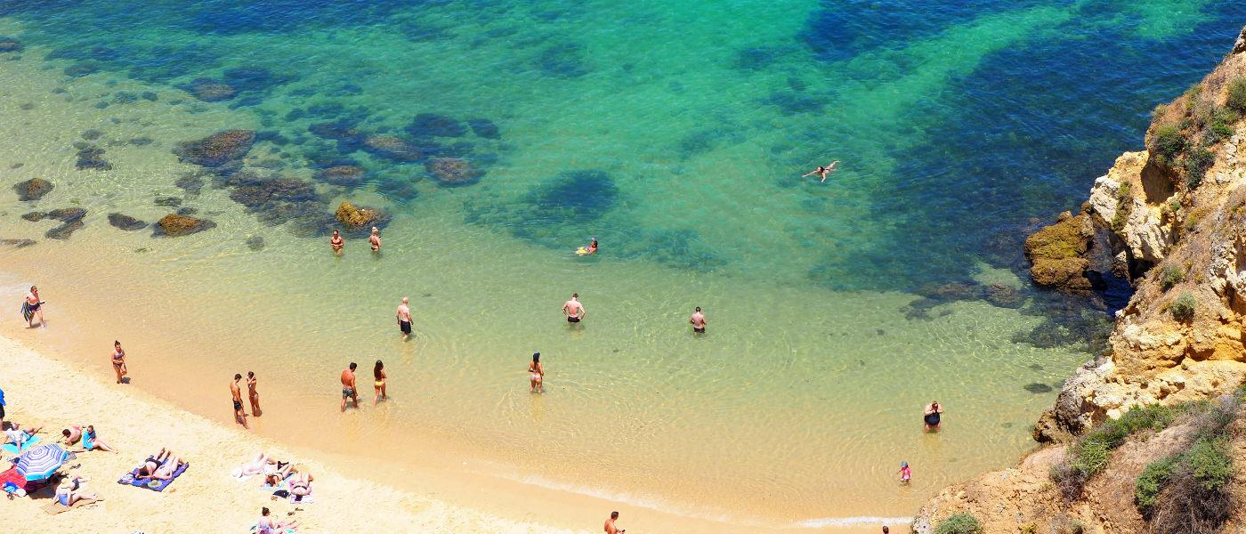 Firefly Holidays Praia Camillo 4