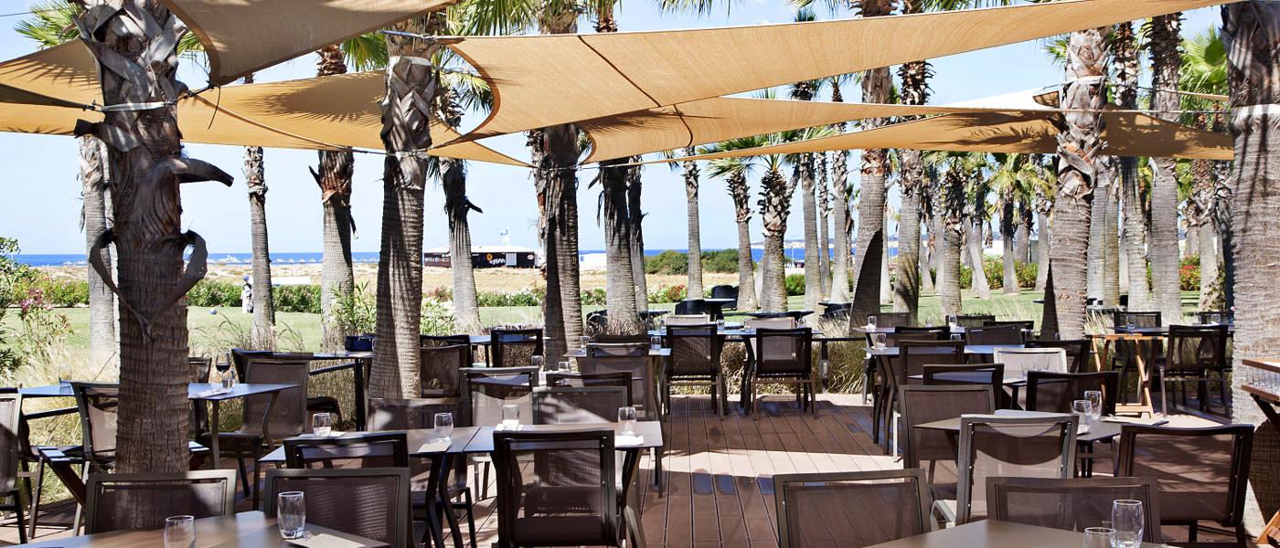 Firefly Holidays Vidamar Resort Villas Salgados Sunset Bar