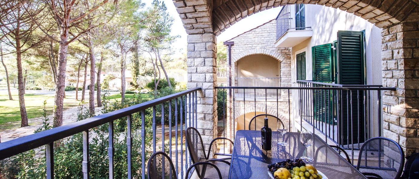 Firefly Holidays Zaton Holiday Resort Apartment 5-6 Balcony