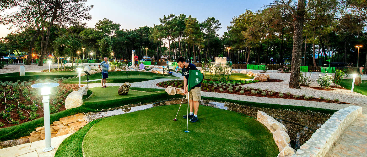 Firefly Holidays Zaton Holiday Resort Mini Golf