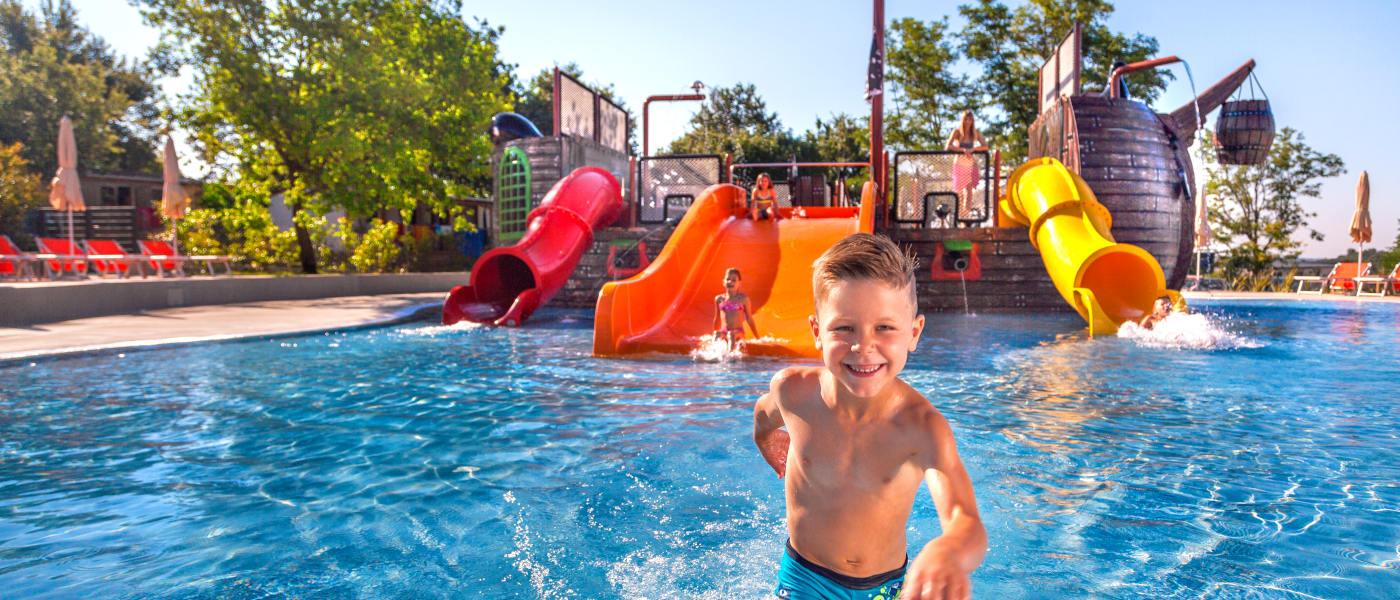 Firefly Holidays Lanterna Camp Pirate Pool 1
