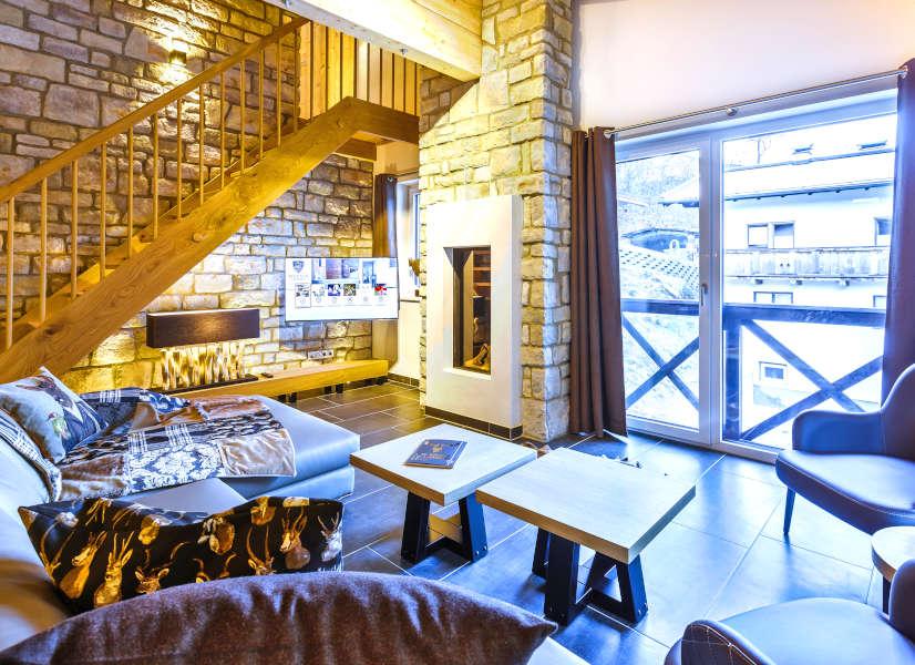 Saalbach Mountain Lodges Penthouse Living Room