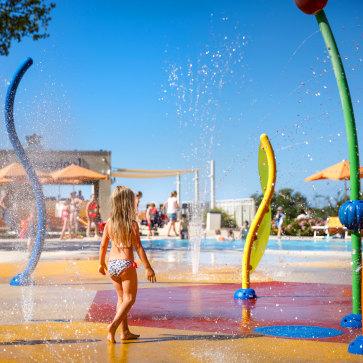 Firefly Holidays Lanterna Premium Camping Resort Waterplay 363