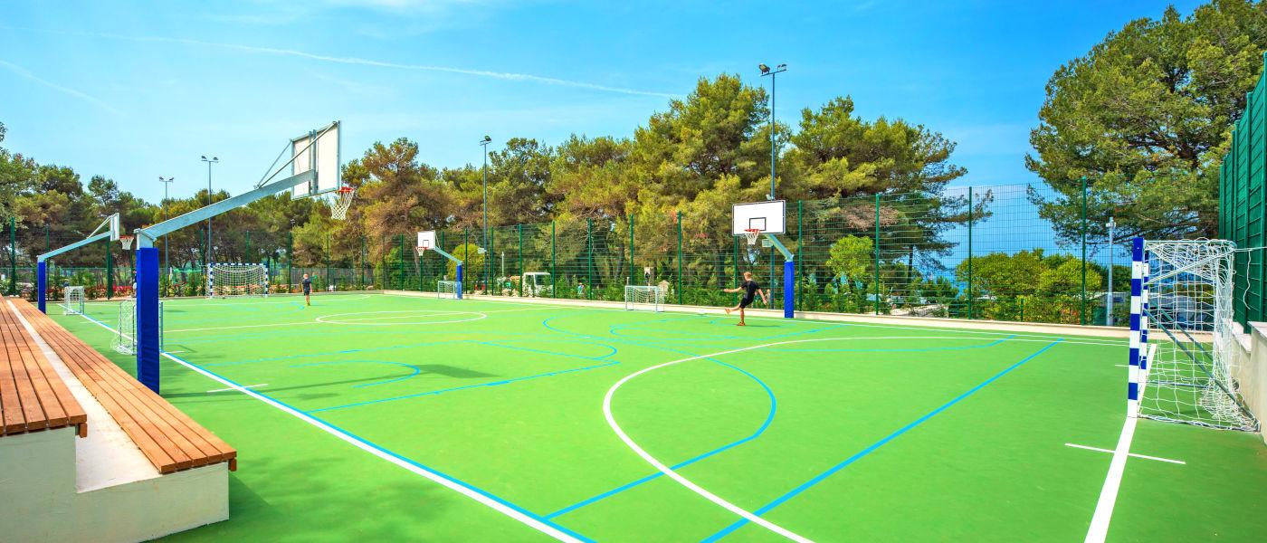 Firefly Holidays Lanterna Sport Park
