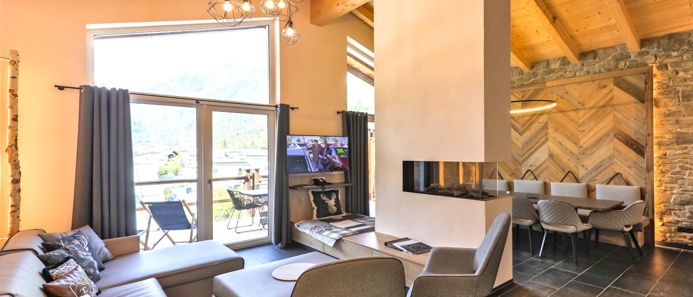 24 Penthouse Living Area