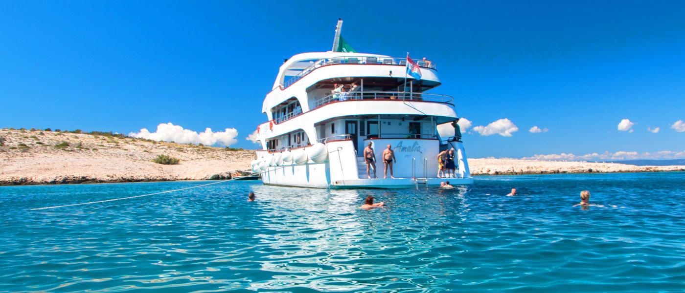 Firefly Holidays Croatia KL1 Amalia Stern Swim 2