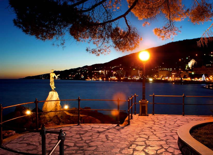Firefly Holidays Croatia KL1 Opatija Night 1 600h