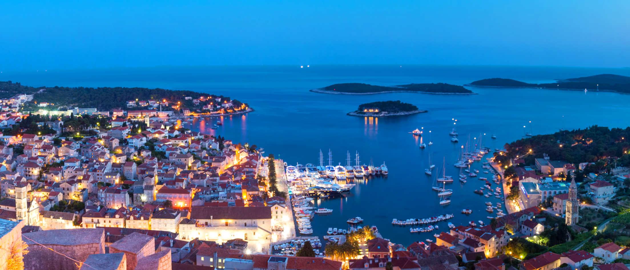Firefly Holidays Croatia KL2 Hvar 5