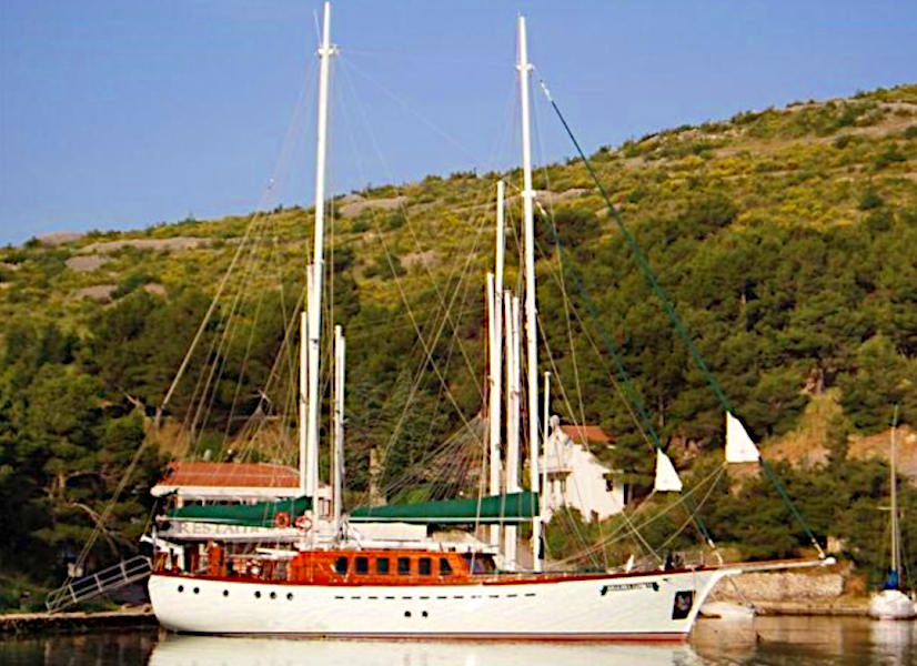 Firefly Holidays Gulet Queen of Adriatic 1 600h