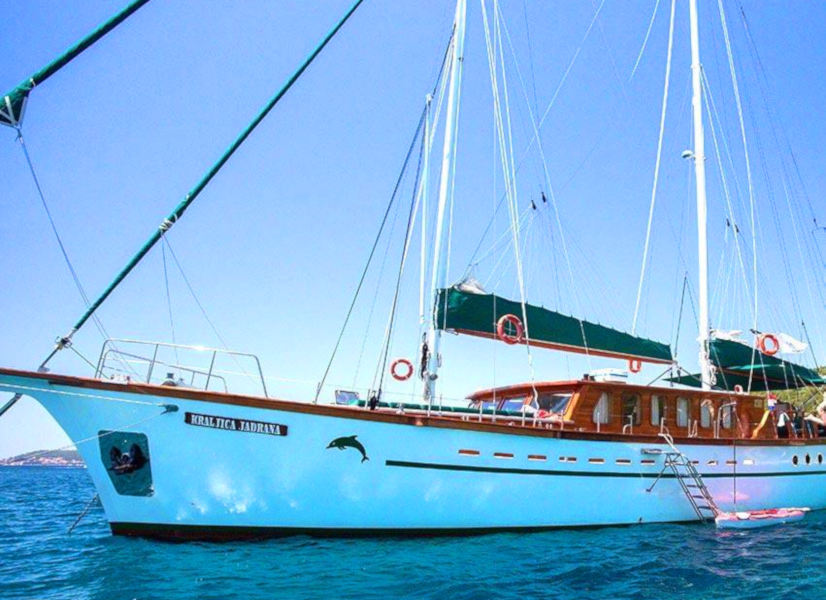 Firefly Holidays Gulet Queen of Adriatic 2 600h