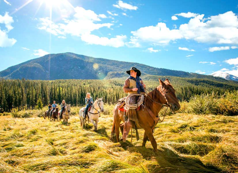Firefly Holidays Banff Horse Ride 2 600h