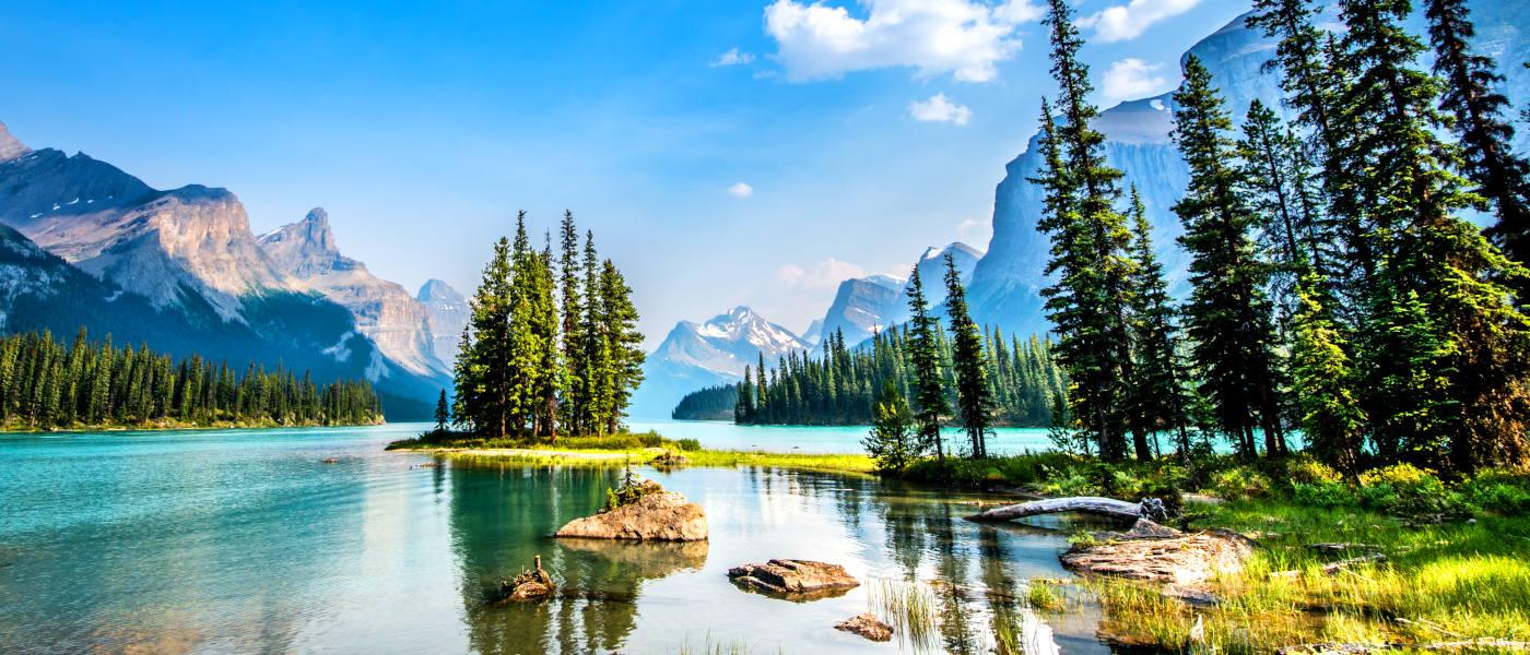 Firefly Holidays Jasper Maligne Lake 1