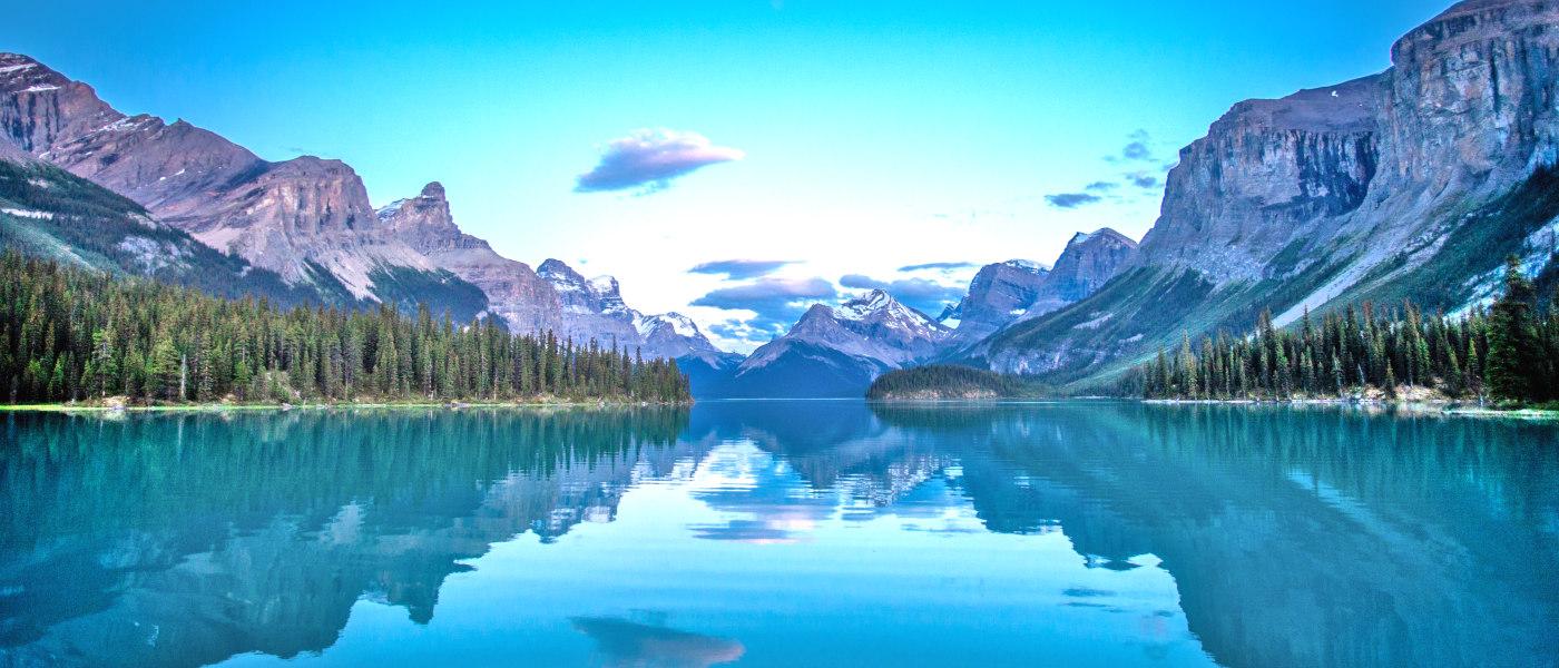Firefly Holidays Jasper Maligne Lake 5