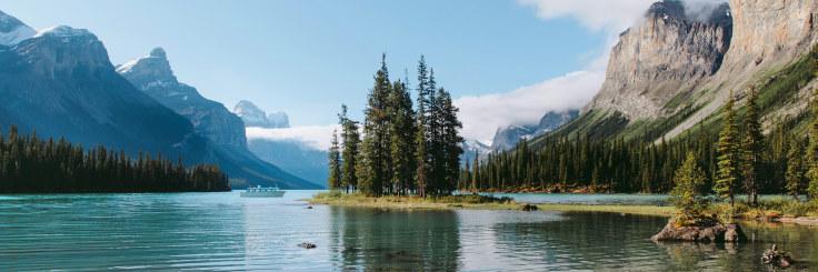 Jasper Maligne Lake Wide