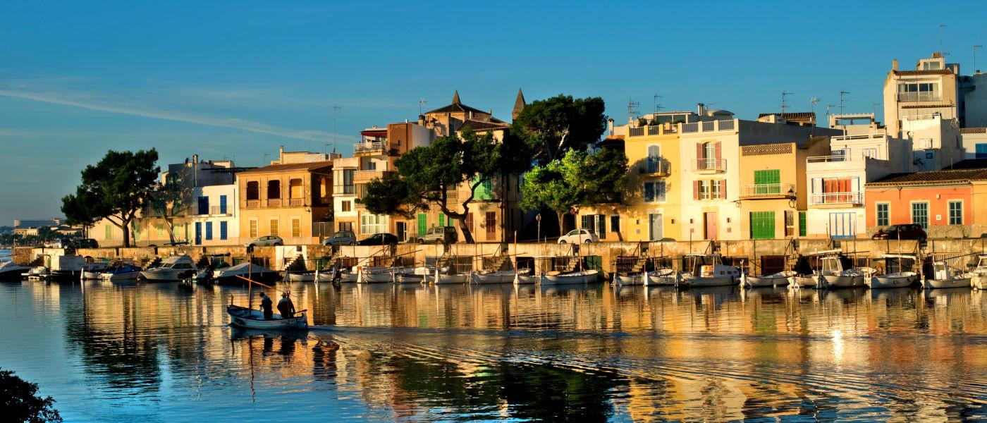 Firefly Mallorca Majorca Portocolom Harbour