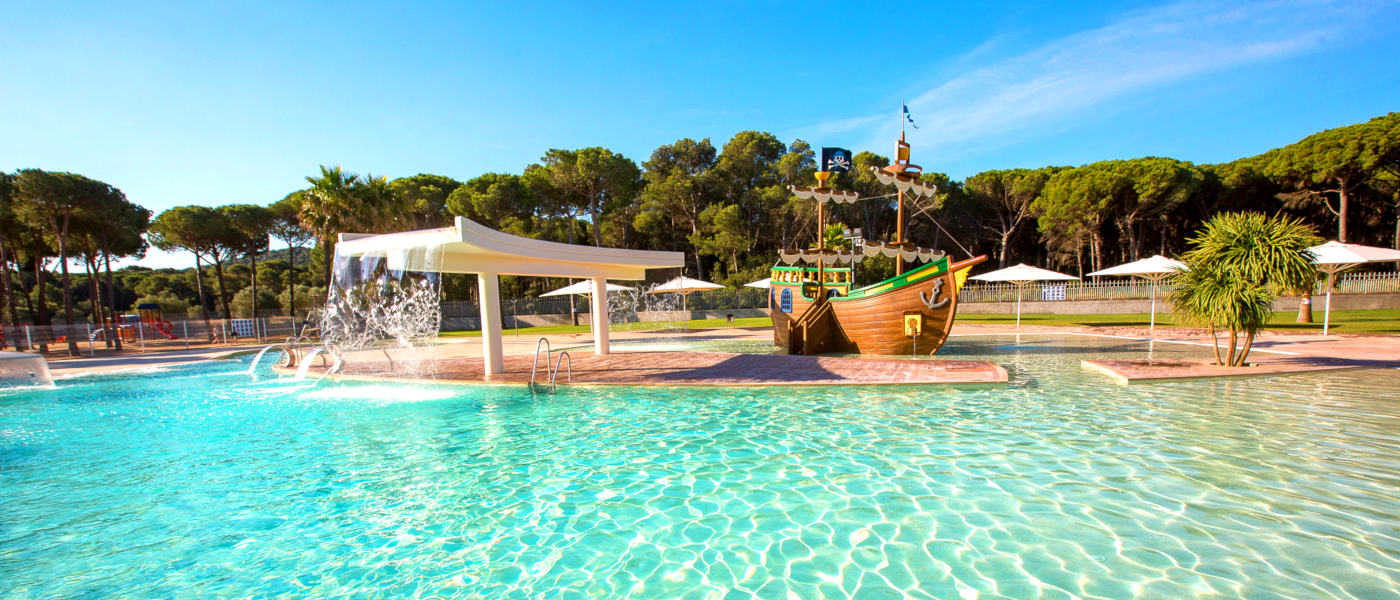 Cypsela Resort Pool 1