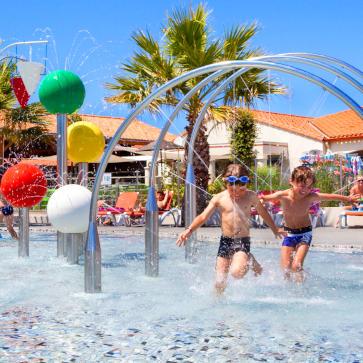 Le Littoral Spray Pool 363